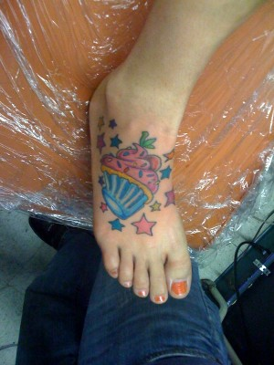 girls tattoos on foot