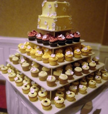 Large Cupcake Wedding Tree